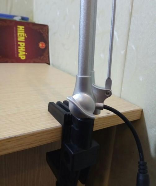 Kẹp bàn đa năng cho đèn làm việc KT1000