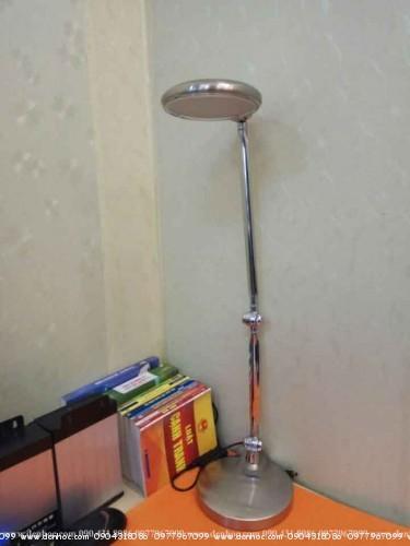 đèn để bàn làm việc roboled (2)