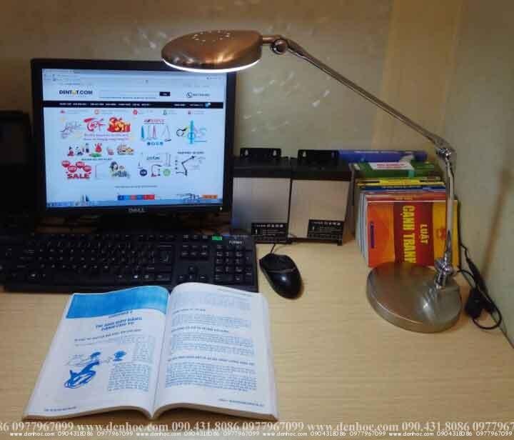 đèn để bàn làm việc roboled (5)