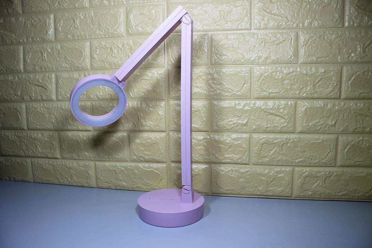 Khơp xoay, gập linh hoạt giúp đèn chiếu sáng linh động với mọi góc chiếu yêu cầu