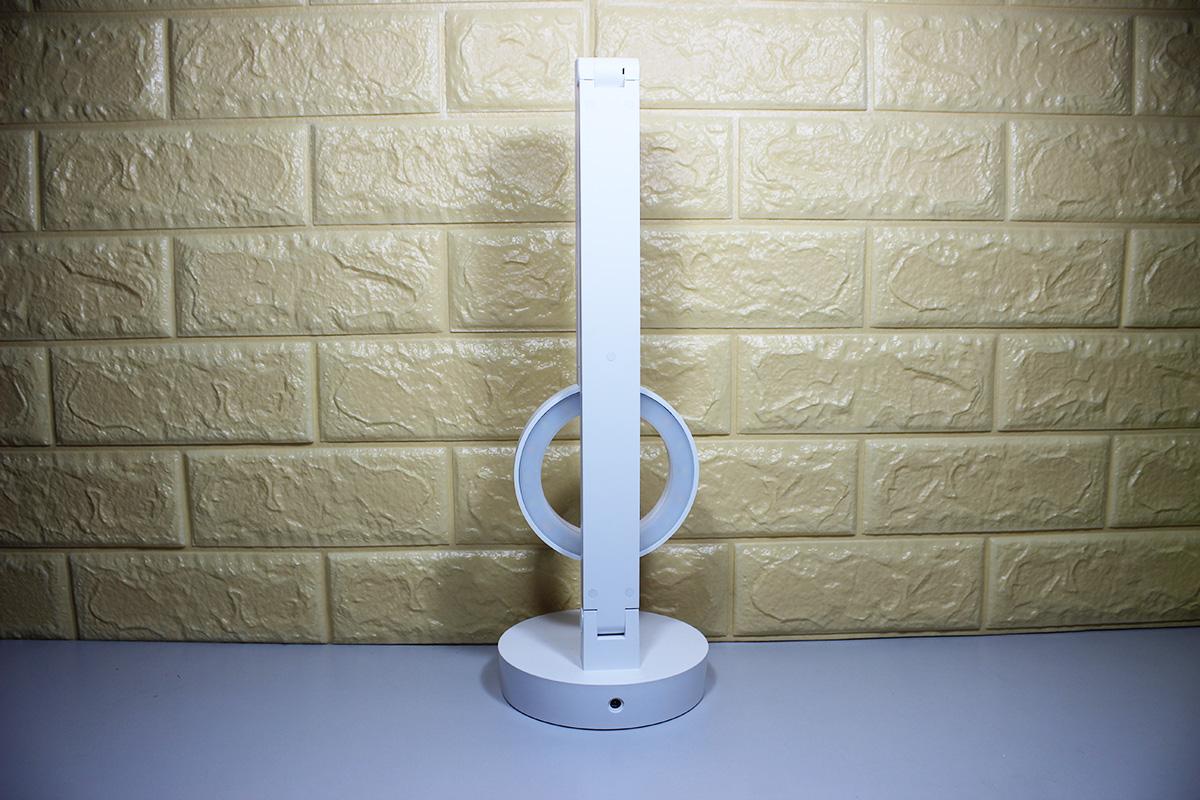 Đèn bàn cao cấp sử dụng kính chống chói LG cao cấp bảo vệ mắt chất lượng cao