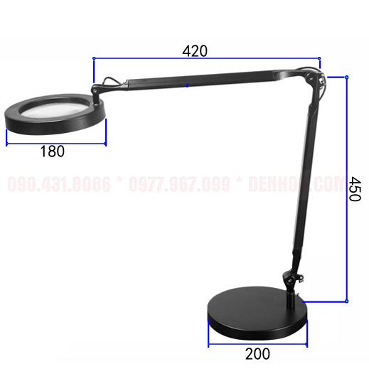 Đèn bàn kỹ sư KT017-1 sở hữu kích thước lớn có thể bao quát và chiếu sáng mọi không gian bàn làm việc dù là lớn nhất