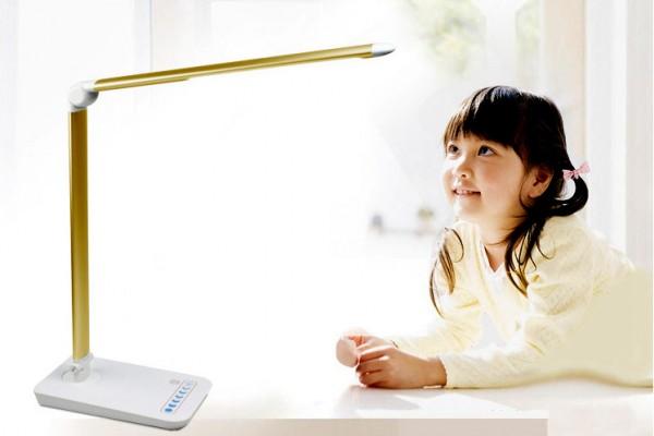 Đèn bàn học chống cận DHCC586 tốt cho cả mắt trẻ nhỏ