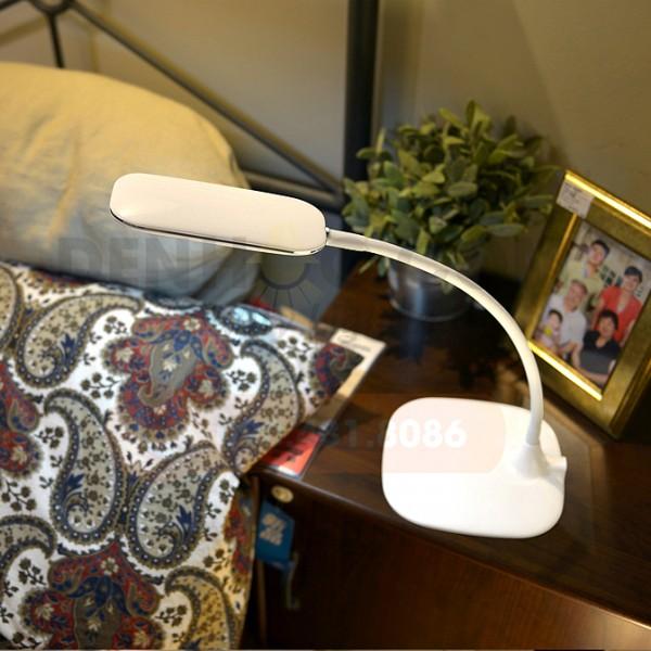Đèn bàn tích điện DHCC801 có thể làm đèn đọc sách, đèn ngủ đặt đầu dường